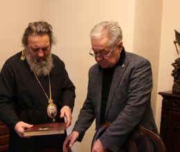 АВТОТОР передал в дар Калининградской епархии уникальные книги